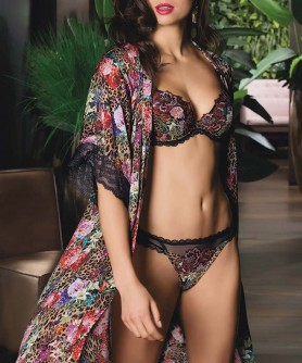 -50% COLLECTION LISE CHARMEL COROLLES FAUVE COROLLE FELIN